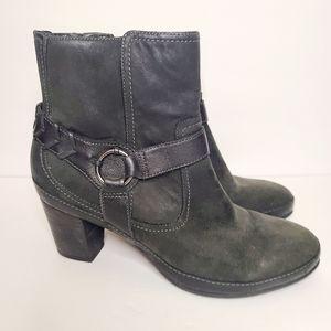 Clark's Artisan Black Leather Ankleboots size 9